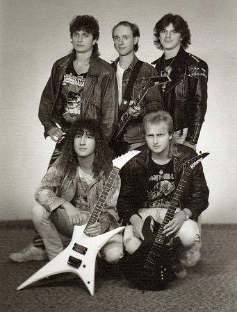 Kraken: rocková zábavová kapela, která vznikla před více než pětadvaceti lety.
