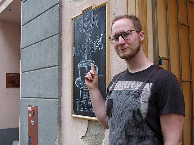 Marek Knopp si svou kavárnu otevřel předloni.