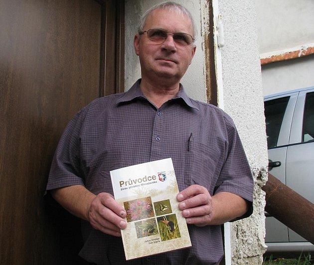 Julius Klejdus se svým průvodcem