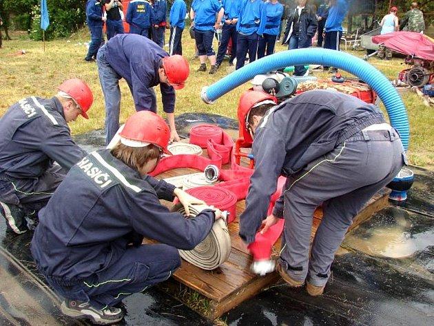 Dobrovolní hasiči z Mikulovic.