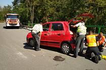 Nehoda osobního auta ve Znojmě-Hradišti.
