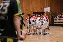Florbalisté znojemského Laufenu v sobotu porazili na domácí palubovce tým Petrovic vysoko 12:5.