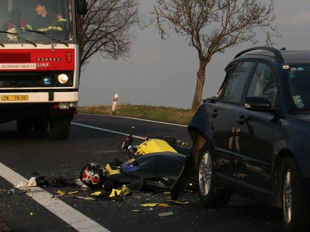 Na znojemských silnicích zemřel v pátek letos první motorkář