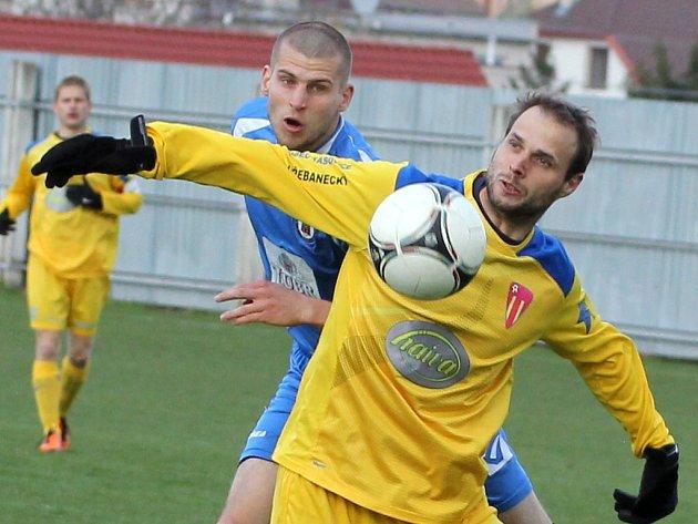 Vítězstvím 4:0 nad Přerovem si tasovičtí fotbalisté osladili velikonoční svátky. Výhra je posunula na třetí místo divizní tabulky.
