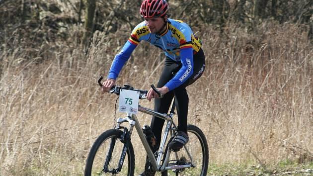 První letošní cyklistický závod si mohli příznivci kol zajet v Hrušovanech nad Jevišovkou.