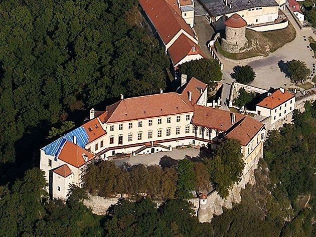 Letecký pohled na znojemský hrad.
