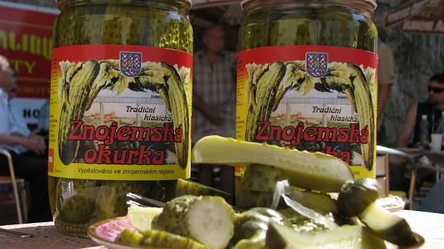 Družstvo chce zase vyrábět okurky, ve školní jídelně