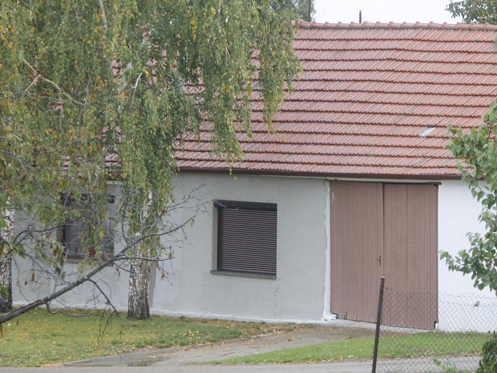 Mafiánského bosse Martina Biháriho hledal Interpol. Rok žil v Suchohrdlech u Miroslavi.