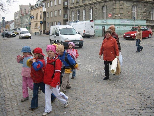 Silnice je pro děti nebezpečná  často i na přechodech