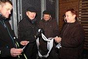 Bývalý starosta Vojtěch Fabík (třetí zleva) touto akcí ukončil svoji práci starosty.