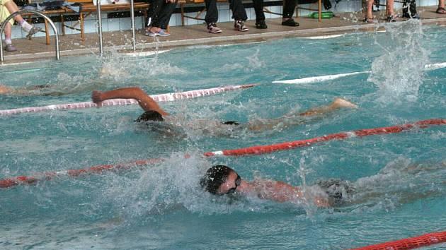 Velká cena města Znojma v plavání skončila triumfem znojemského celku.