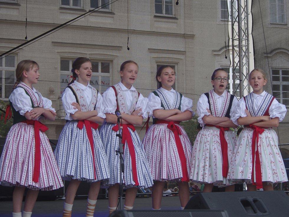 Osmý květen byl tradičním dnem Festivalu VOC. Přinášíme fotografické ohlédnutí.