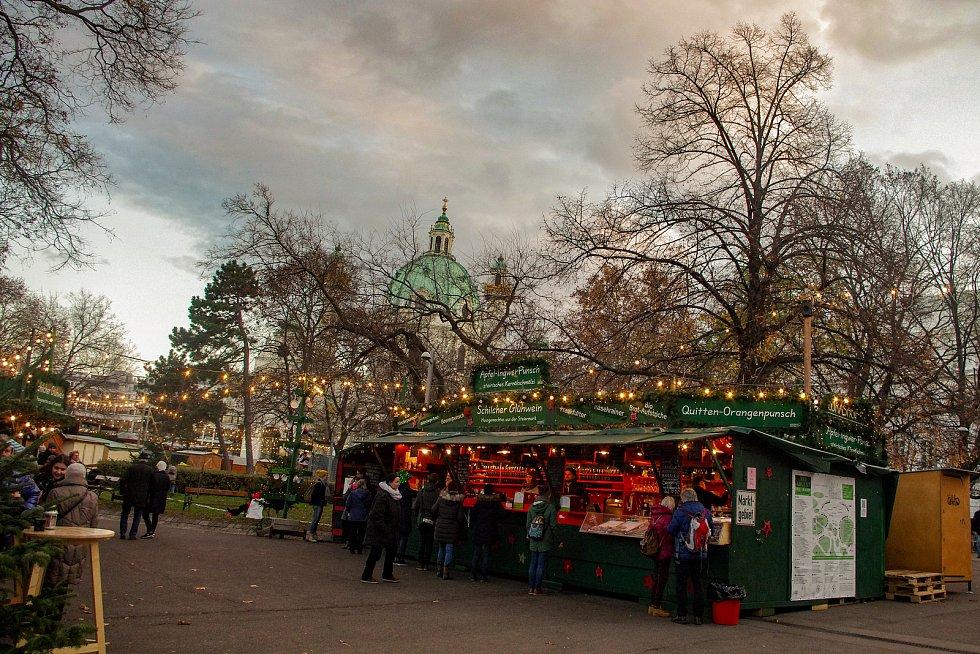 Obrazová vzpomínka na tradiční adventní trhy ve Vídni