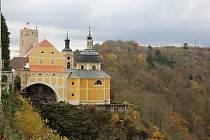 Na zámku archeologové bádali loni na podzim.
