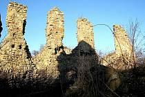 Zřícenina hradu Templštejn u Jamolic na Moravskokrumlovsku.