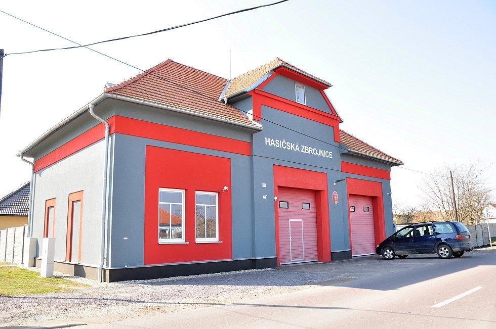 Opravená hasičská zbrojnice v Hevlíně