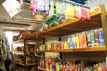 Společnost Sansimon provozuje ve Znojmě Chráněné dílny. Na obrázku znojemská prodejna.