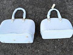 Celníci zabavili v Hatích padělky kabelek od Vuittona za 14 milionů.