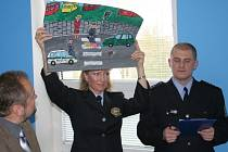 Školáci malovali policejní práci