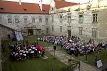 Uherčický zámek.