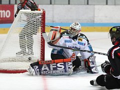 Hokejisté Znojma porazili rakouský Linec 7:5.