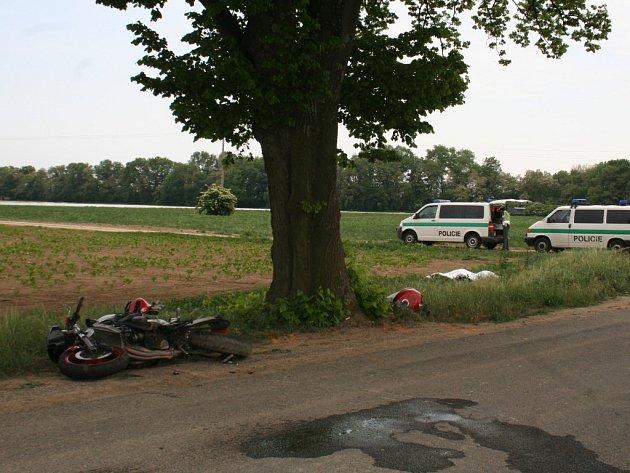 Rychlá jízda stála motorkáře život