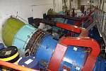 V tělese hráze přehrady pracují ve vodní elektrárně dvě Kaplanovy turbíny.
