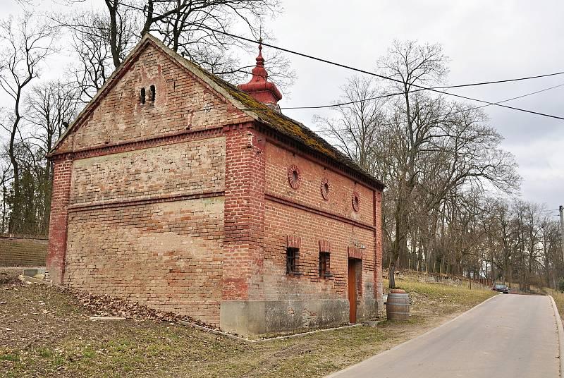 Sklep v Břežanech