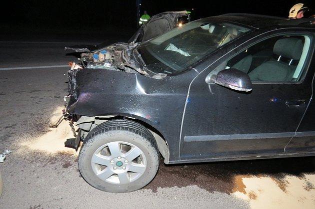 Ovelikém štěstí mohou mluvit účastníci pondělní dopravní nehody. Dvě auta se střetla mezi Dyjí a Suchohrdly na státní silnici číslo 53.Srážka se obešla bez zranění.