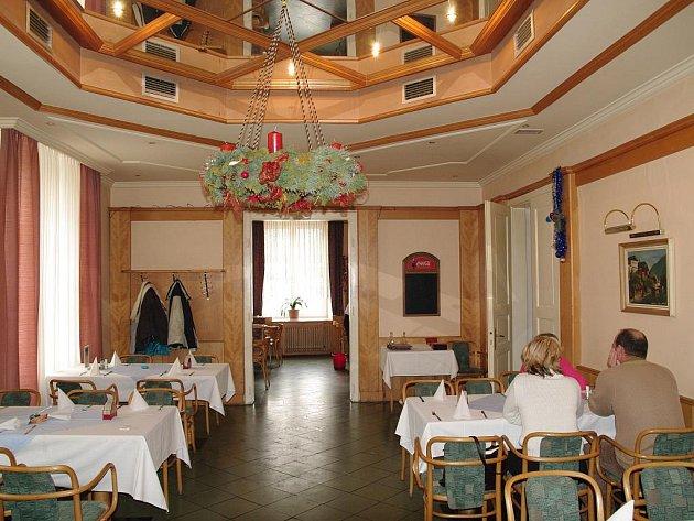 Restaurace Hotel u divadla na znojemském náměstí Republiky