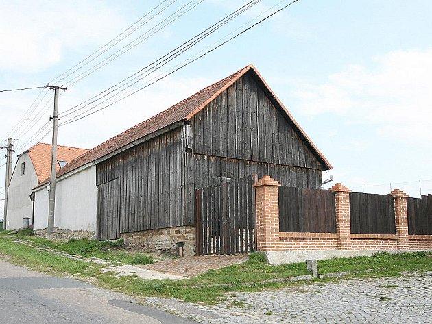 Chalupa bývalého tajemníka Městského úřadu Znojmo Vladimíra Krejčíře v Litostrovi.