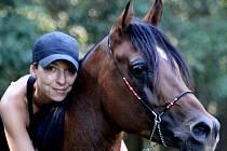 Mladá chovatelka koní Jana Rusnáková vlastní tři arabské plnokrevníky.