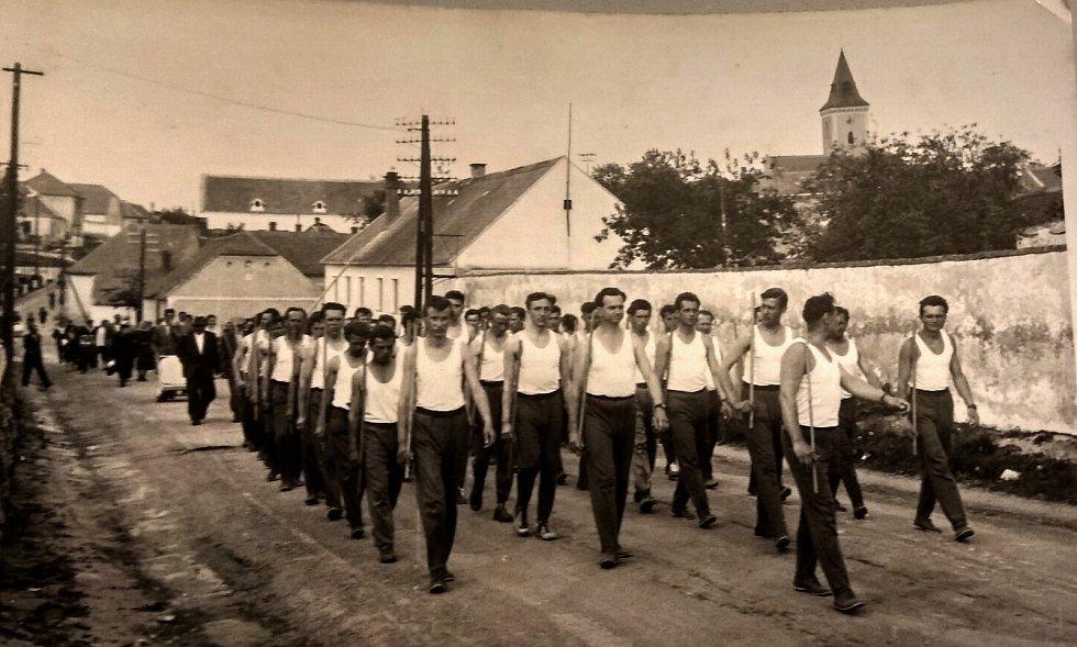 Okresní Spartakiáda ve Znojmě 1960.
