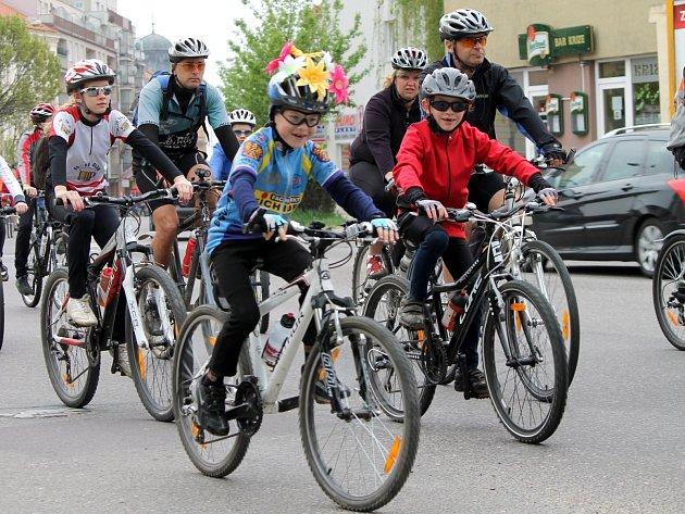 Milovníci cyklistiky ze Znojma a okolí vyrazili o prvním máji tradičně na svůj cyklovýlet.