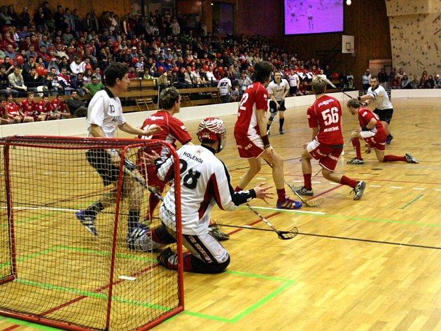 První dva zápasy florbalového finále play-off mezi Znojmem a Spartou