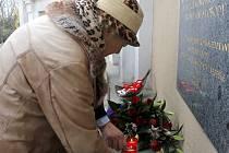 Listopadové události roku 1939 a 1989 ale také teroristické útoky v Paříži si připomněli v Horním parku ve Znojmě představitelé radnice, komunální politici a několik občanů.