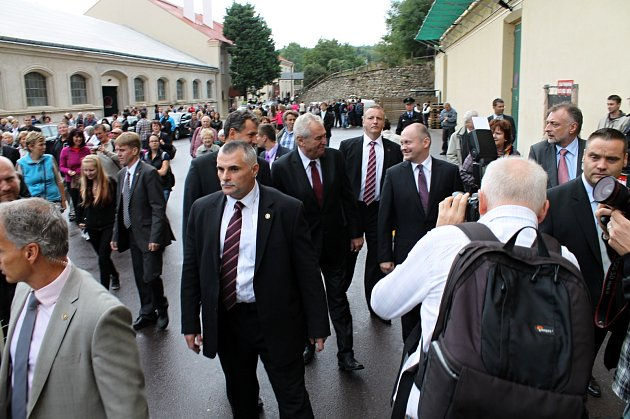 Prezident Miloš Zeman navštívil znojemský Loucký klášter.