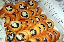 Uctít a oslavit společně s věřícími patrona pekařů svatého Klementa Maria Hofbauera přišlo do Tasovic několik stovek lidí. Konala se zde již po několikáté Pekařská pouť.