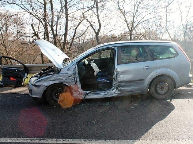 Nehoda mladíka v Moravském Krumlově. Ujížděl před policisty.