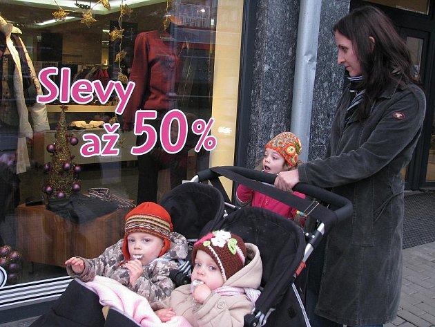 Za poloviční cenu lze také ve Znojmě nakoupit oblečení, ale také kosmetiku či elektroniku.