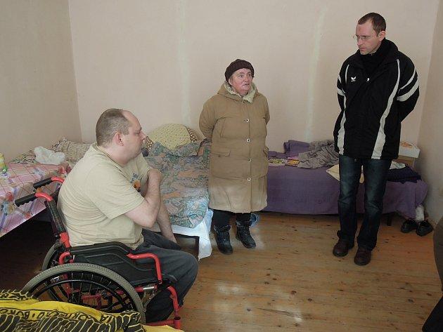 Snímky od pracovníků znojemské Charity pořízené během jejich setkání s běženci na západní Ukrajině.