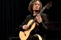 Znojemský hudebník Michal Svoboda vyučuje hudbu v Rakousku a nedávno zvítězil v mezinárodní kytarové soutěži.