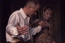 Oldřich Kaiser a Chantal Poullain ve hře Šest tanečních hodin v šesti týdnech