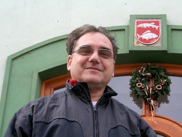 Do starostenského křesla po čtyřleté přestávce opět usedne Miroslav Miloš.