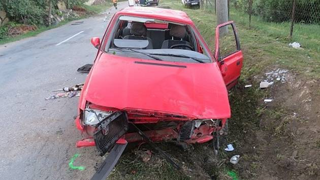 Opilý mladík, který vůbec nemá řidičský průkaz, havaroval ve čtvrtek ráno ve Strachoticích na Znojemsku.