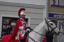 Sv. Martin přivezl do Znojma letošní mladé víno k požehnání a ochutnávce.