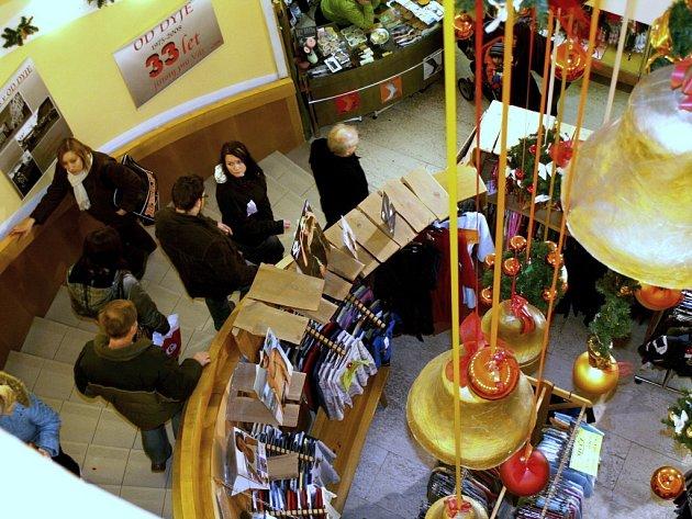 Davy nakupujících se nevyhnuly ani obchodnímu domu v centru Znojma