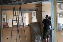 Psychiatrie v nové nemocnici, vybudované ARO a zmodernizované a rozšířené operační sály. To jsou výsledky další etapy  rozsáhlé rekonstrukce znojemské nemocnice.