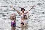 Camping Vranovská pláž byl v parných červencových dnech zcela obsazen turisty.