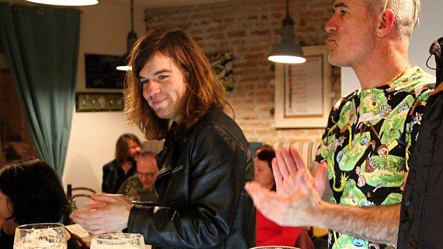 Dan Vertígo a Vojta Kulich koncertovali v bistru Chez Martine